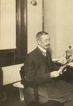 Cartas entre Toribio Esquivel Obregón y Laura Torres Soto, 1884-1888