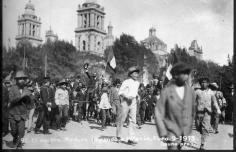 Madero custodiado por los cadetes del Colegio Militar, 9 de febrero de 1913. [Sabino] Osuna.